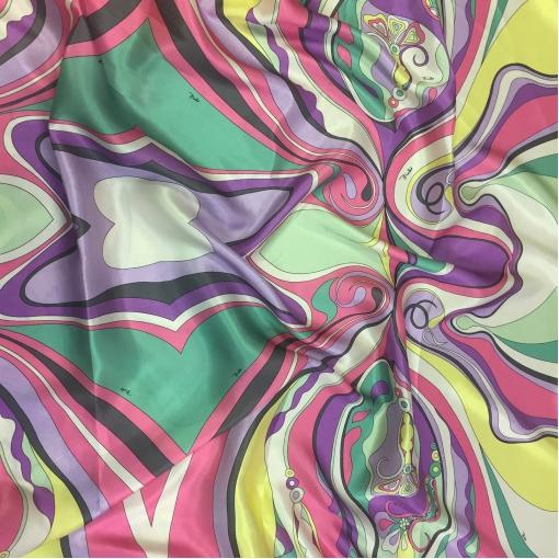 Шелк атласный принт Pucci абстракция в зеленовато-сиреневых тонах