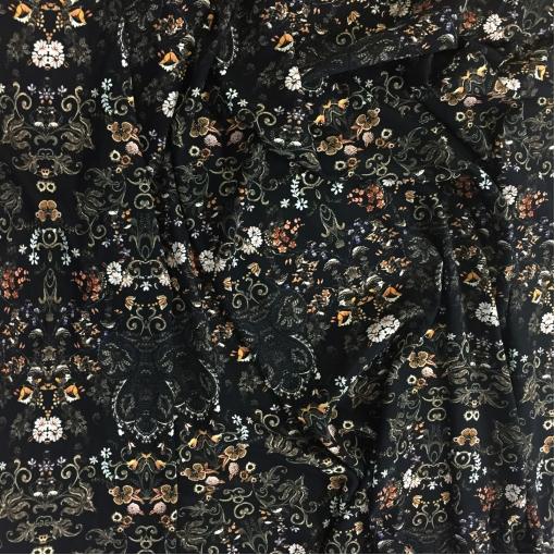 Шелк креповый стрейч принт Antonio Marras мелкие вензеля и цветы на черном фоне