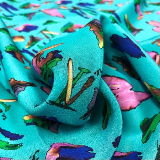 Шелк креповый принт Louis Vitton акварельные логотипы на ярко-голубом фоне