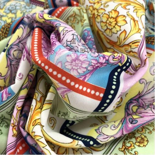 Шелк матовый стрейч принт Versace вензеля и геометрия в стиле пэчворк в сиренево-салатных тонах