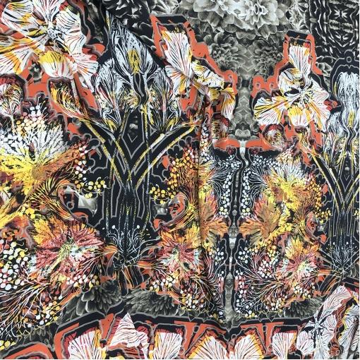 Шелк креповый принт Antonio Marras купон в гамме осенних листьев