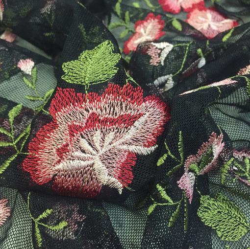 Кружево на сетке D&G вышитые цветы на черном