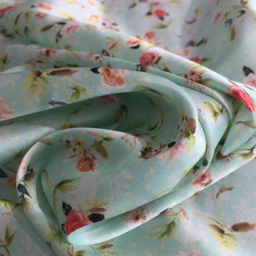 Шелк атлас стрейч Valentino мелкие цветы на мятном фоне