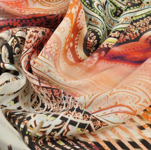Шелк с леопардовым рисунком креповый с лица и атласный с изнанки