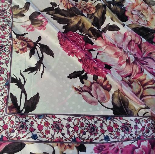 Жаккардовый шелк платок