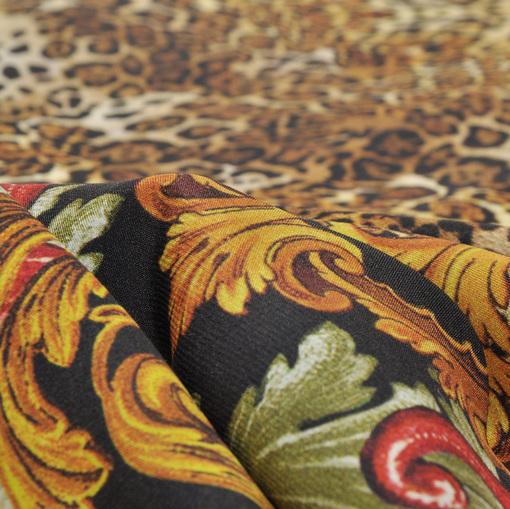 Атласный стрейчевый шелк Versace с вензелями и леопардом