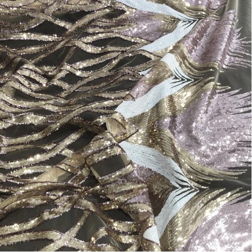 Кружево на сетке вышитое Elie Saab геометрический узор из пайеток в золотисто-розово-белой гамме