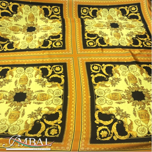 Шелк матово-атласный платки 70х70 принт Vercsace барокко с грифонами на черном фоне