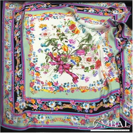 Шелковый матовый платок 135х145 см дизайн Celine полевой букет в мятно-сиреневой гамме