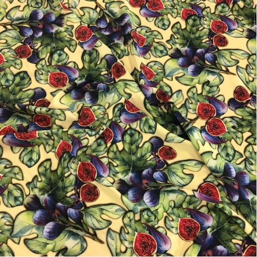 Шелк креповый принт D&G инжир и листья на пастельно-желтом фоне