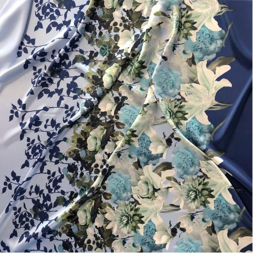 Шелк атласный принт Gai Mattiolo продольный купон в син-голубых тонах