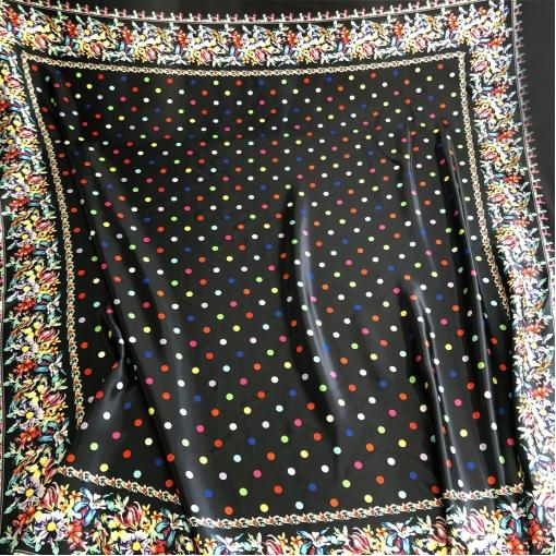 Шелк атласный принт Moschino платок с цветными горошинами