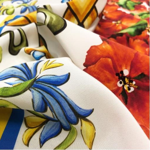 Шелк креповый платок D&G большой акварельный букет и узор