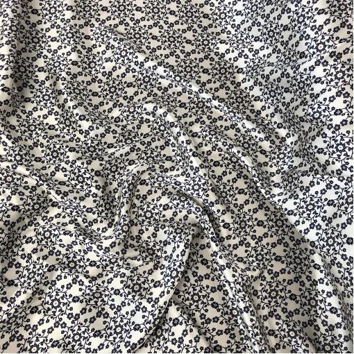 Шелк атласный принт Prada мелкий цветочный узор на молочном фоне