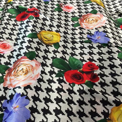 Шелк атлас стрейч принт D&G розы на пье-де-пуль