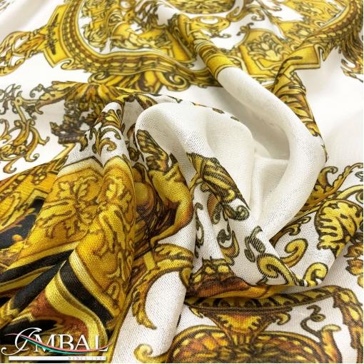 Шёлк шантунг принт Versace большой платок с вензелями золото на черно-белом