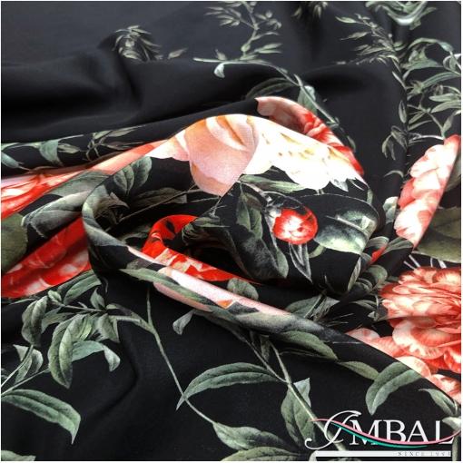 Шелк креп матовый дизайн  продольный купон розы на черном фоне