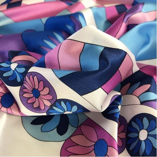 Шелк атлас стрейч принт Pucci продольный купон в сиренево-голубых тонах