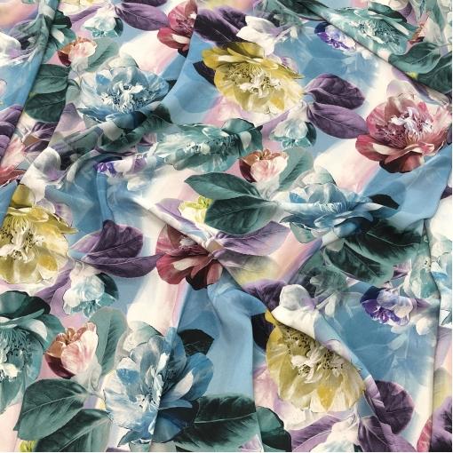 Шелк креповый принт Blumarine пастельные цветы на акварельном фоне