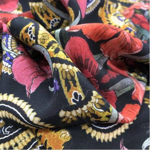 Шелк креповый принт Antonio Marras большой платок ирисы и вензеля на черном фоне