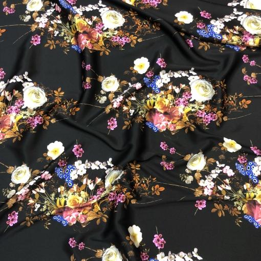 Шелк матово-атласный стрейч принт D&G цветочные букеты на черном фоне