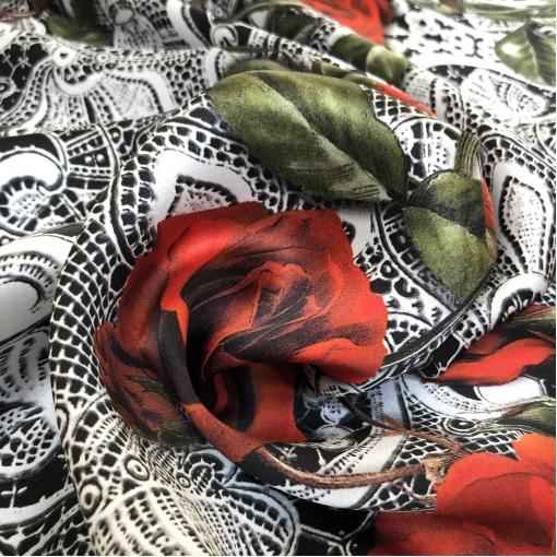 Шелк атласный принт D&G красные розы с имитацией кружева