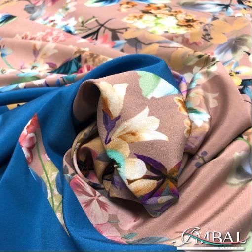 Шёлк креповый стрейч принт Blumarine цвета пепел-роза с голубой каймой и цветами