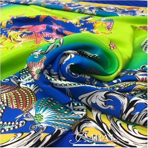 Шелковый атласный платок 138х140 см дизайн Versace ракушки в лаймово-синей гамме