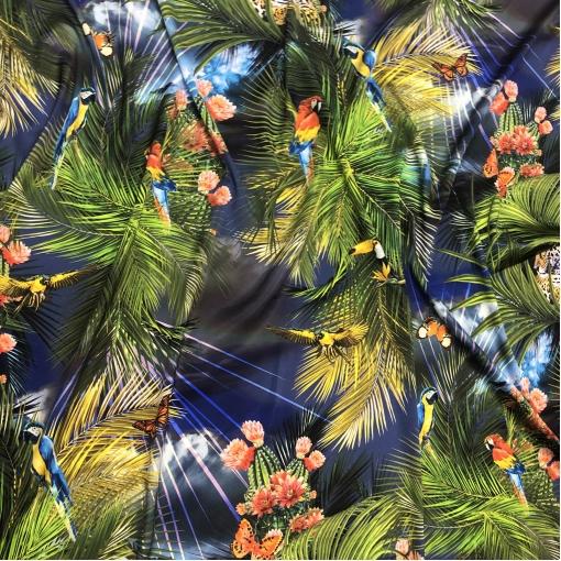 Шелк атласный стрейч тропический дизайн D&G на сине-фиолетовом фоне